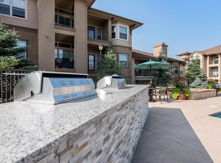 Talon Hill Apartments | Grilling Center