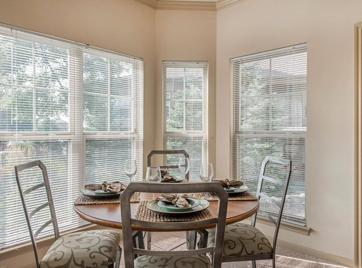 Talon Hill Apartments | Dining Room