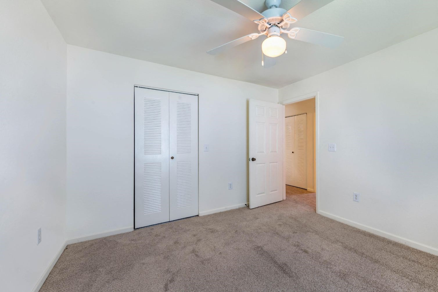 Whispering Woods | Bedroom with Walk-in Closets