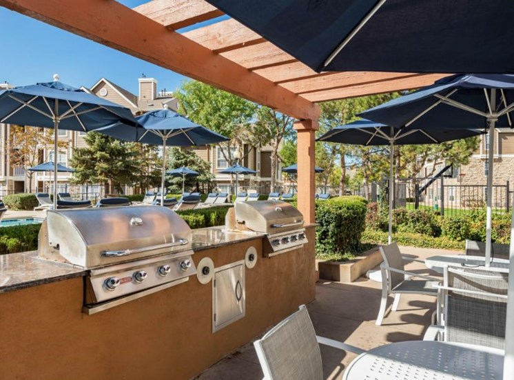 Poolside covered gas grilling station