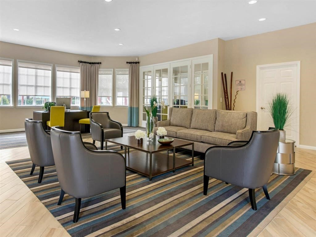 Sabal Pointe Apartments   Leasing Office