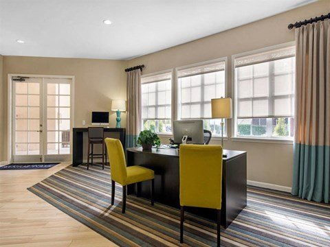 Sabal Pointe Apartments | Leasing Office