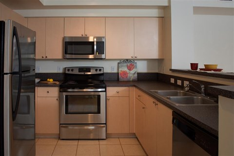 Miramar Lakes Apartments | Fully Equipped Kitchen in Stainless Steel