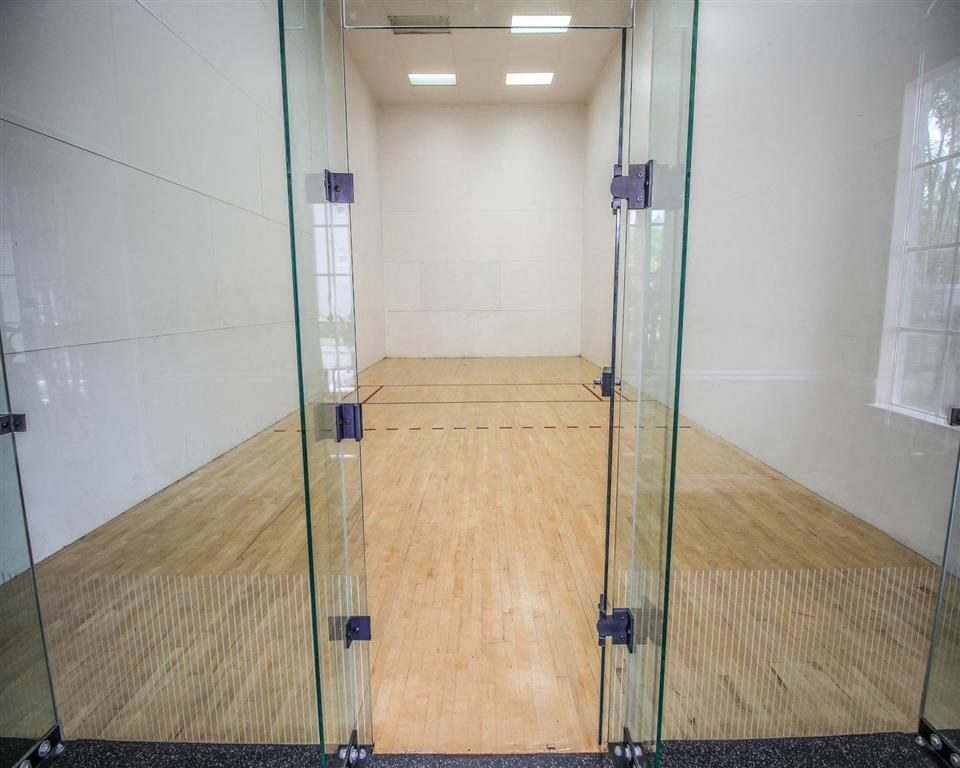 The Winston Apartments   Racquetball Court