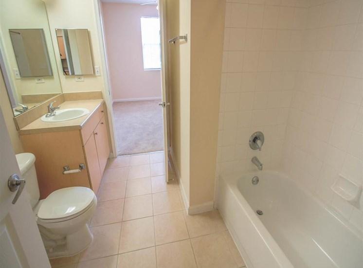The Winston Apartments   Bathroom