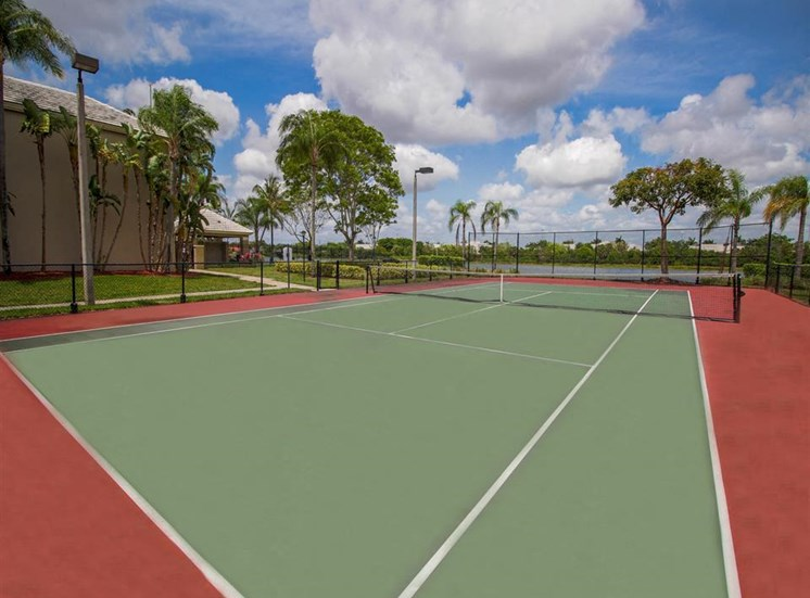 The Winston Apartments | Tennis Court