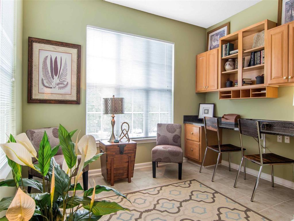 Living Room | The Retreat at Kedron Village Apartment Homes Peachtree City, GA