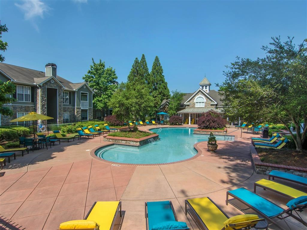 Poolside Lounge Seating | The Retreat at Kedron Village Apartment Homes Peachtree City, GA