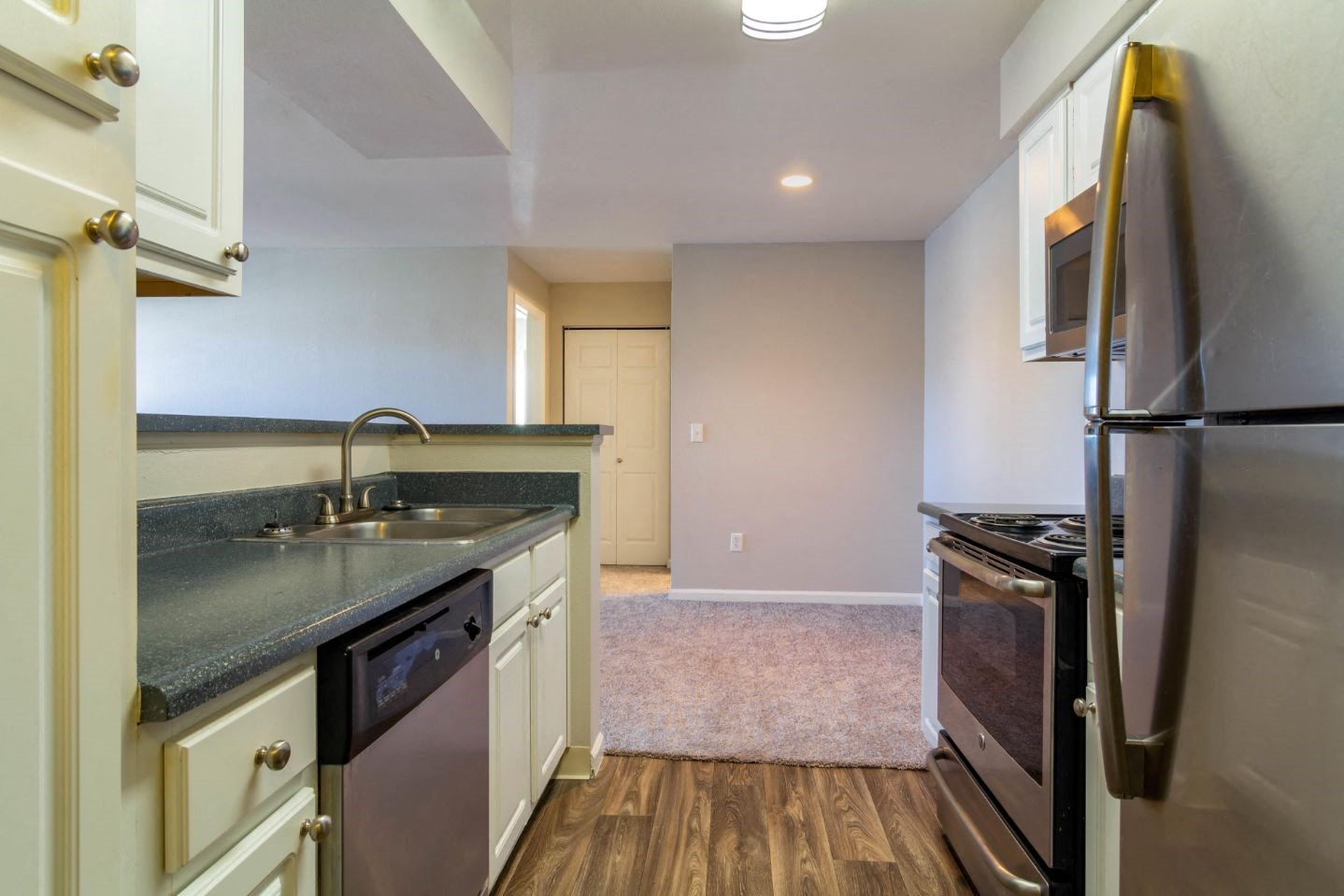 Legacy Heights Apartments | Kitchen