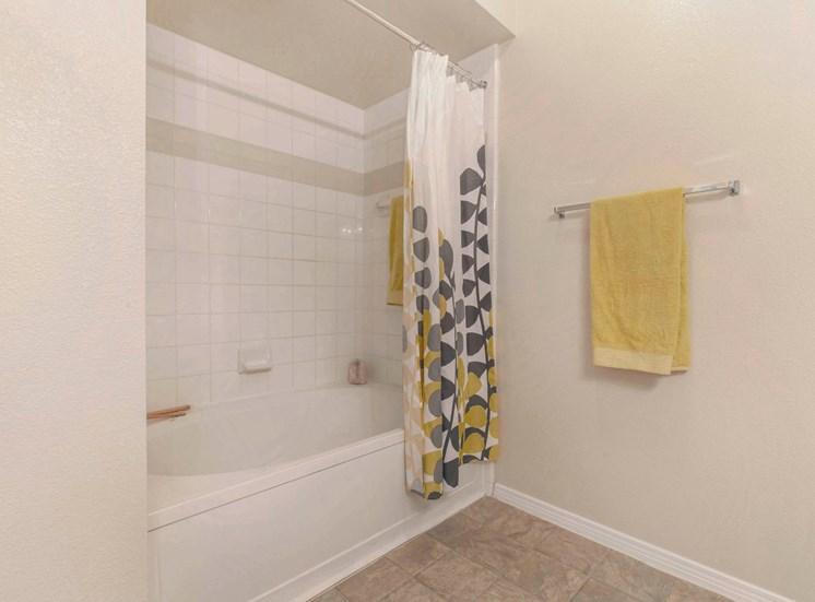 The Estates at Tanglewood  Bathroom