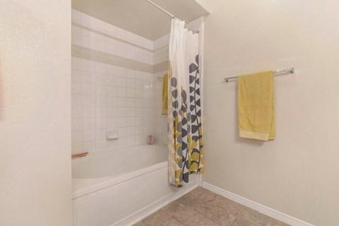 The Estates at Tanglewood |Bathroom