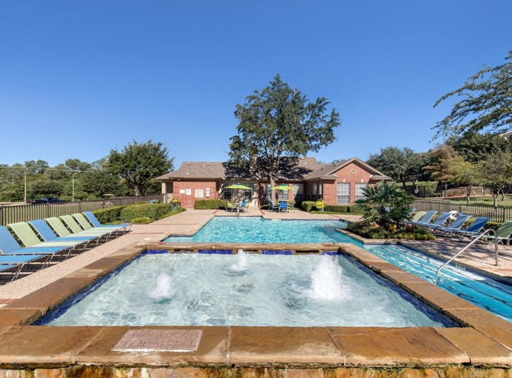 Mission Rockwall | Swimming Pool Fountain