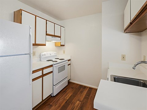 Saybrooke | Apartments For Rent in Gaithersburg, MD | Kitchen with Appliances