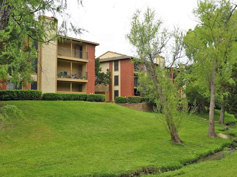 Mission Reilly Ridge Apartments Austin Manicured Landscaping