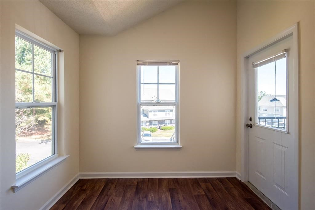 Overlooke at Simms Creek Apartments | Apartment Entryway