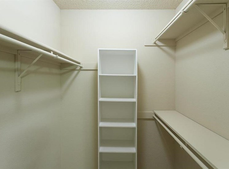 Summers Crossing Apartments Plano, TX Walk-in Closets