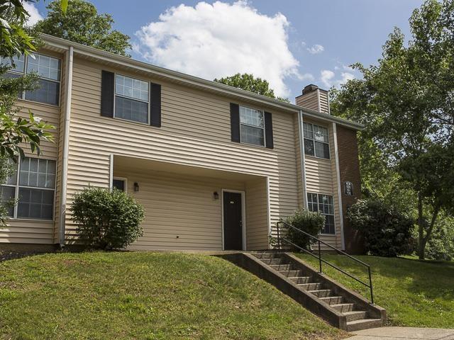 Apartment Entrances | Landmark at Lyncrest Reserve Apartment Homes Nashville, TN