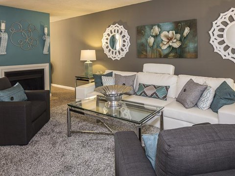 Living Room | Landmark at Lyncrest Reserve Apartment Homes Nashville, TN