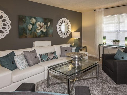 Living Area | Landmark at Lyncrest Reserve Apartment Homes Nashville, TN