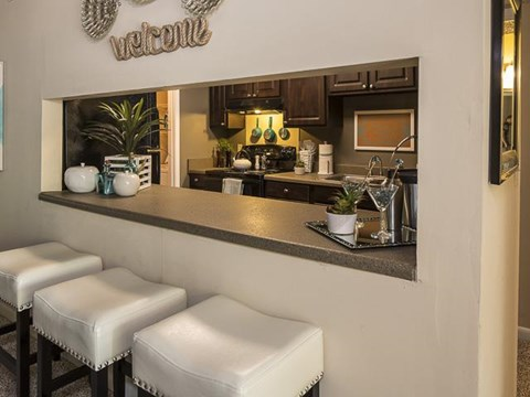 Kitchen Bar | Landmark at Lyncrest Reserve Apartment Homes Nashville, TN