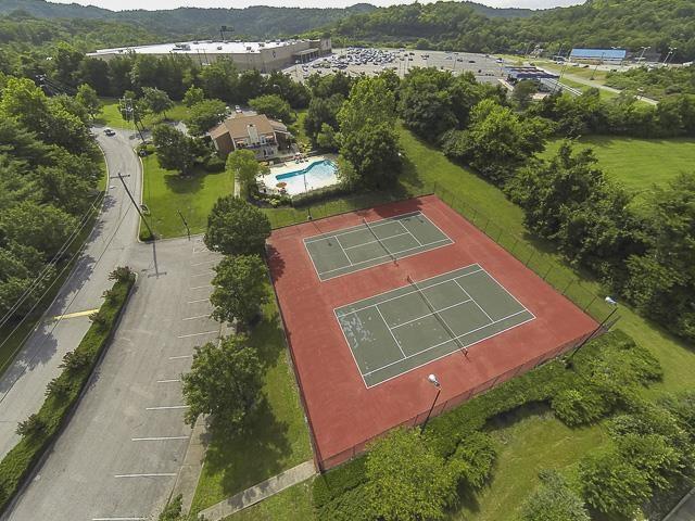 Aerial View of Landmark at Lyncrest Reserve Apartment Homes Nashville, TN