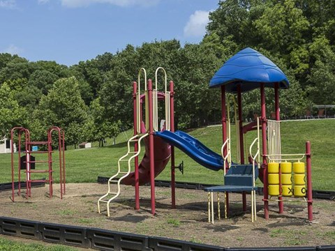 Playground | Landmark at Lyncrest Reserve Apartment Homes Nashville, TN