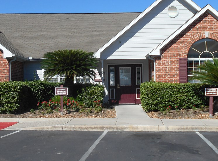 Leasing Office Exterior at Las Villas De Leon Apartments, Texas