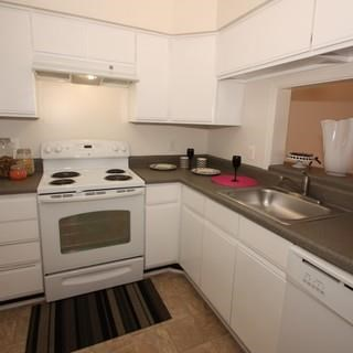 Kitchen With Ample Storage at Soldiers Ridge Apartments, Manassas, Virginia