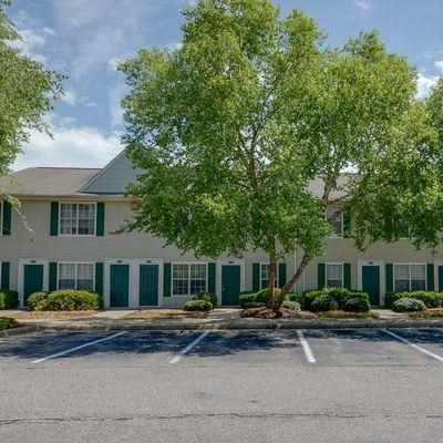 Exterior Building With Mature Trees at King's Ridge Apartments, Virginia, 23608