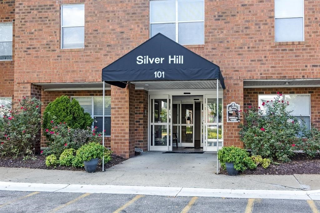Silver Hill at Arboretum Apartments | Leasing Office Entrance