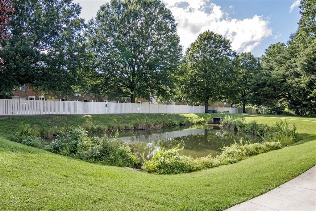 Silver Hill at Arboretum Apartments | Pond