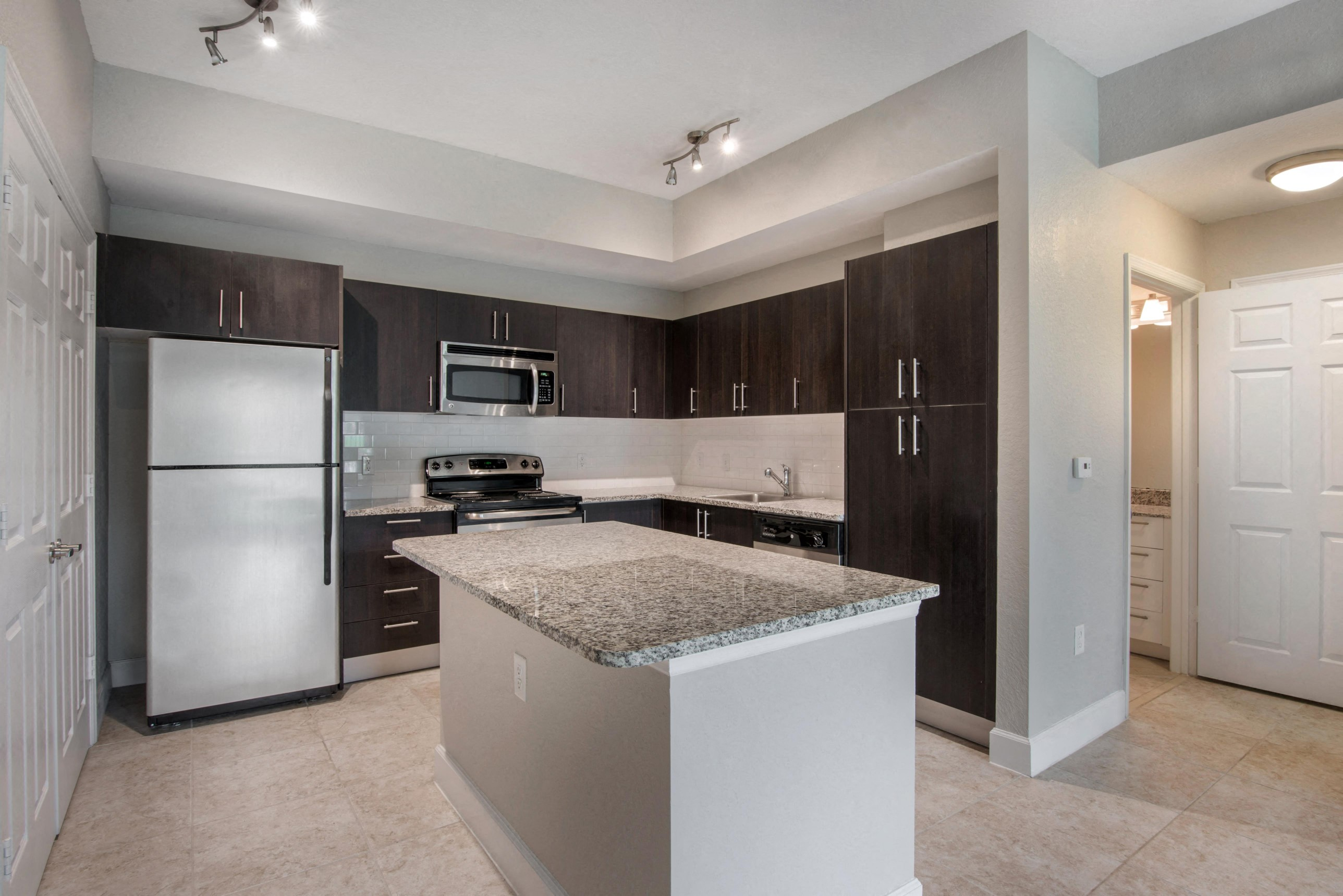 Park Aire Apartments | Kitchen with Stainless Steel Appliances and Center Island