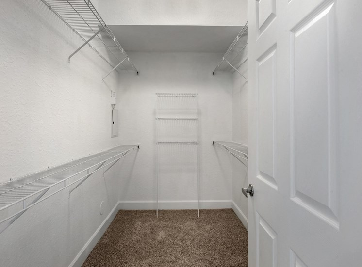 Park Aire Apartments | Walk in Closet