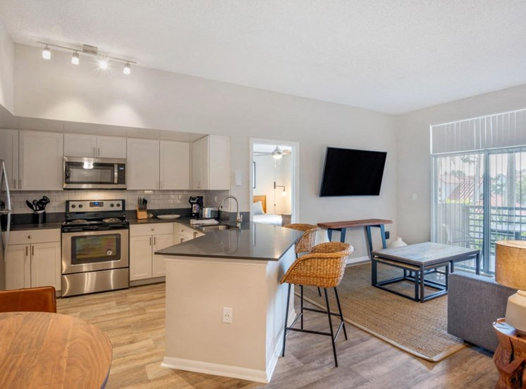 Fully Furnished Kitchen with Breakfast Bar