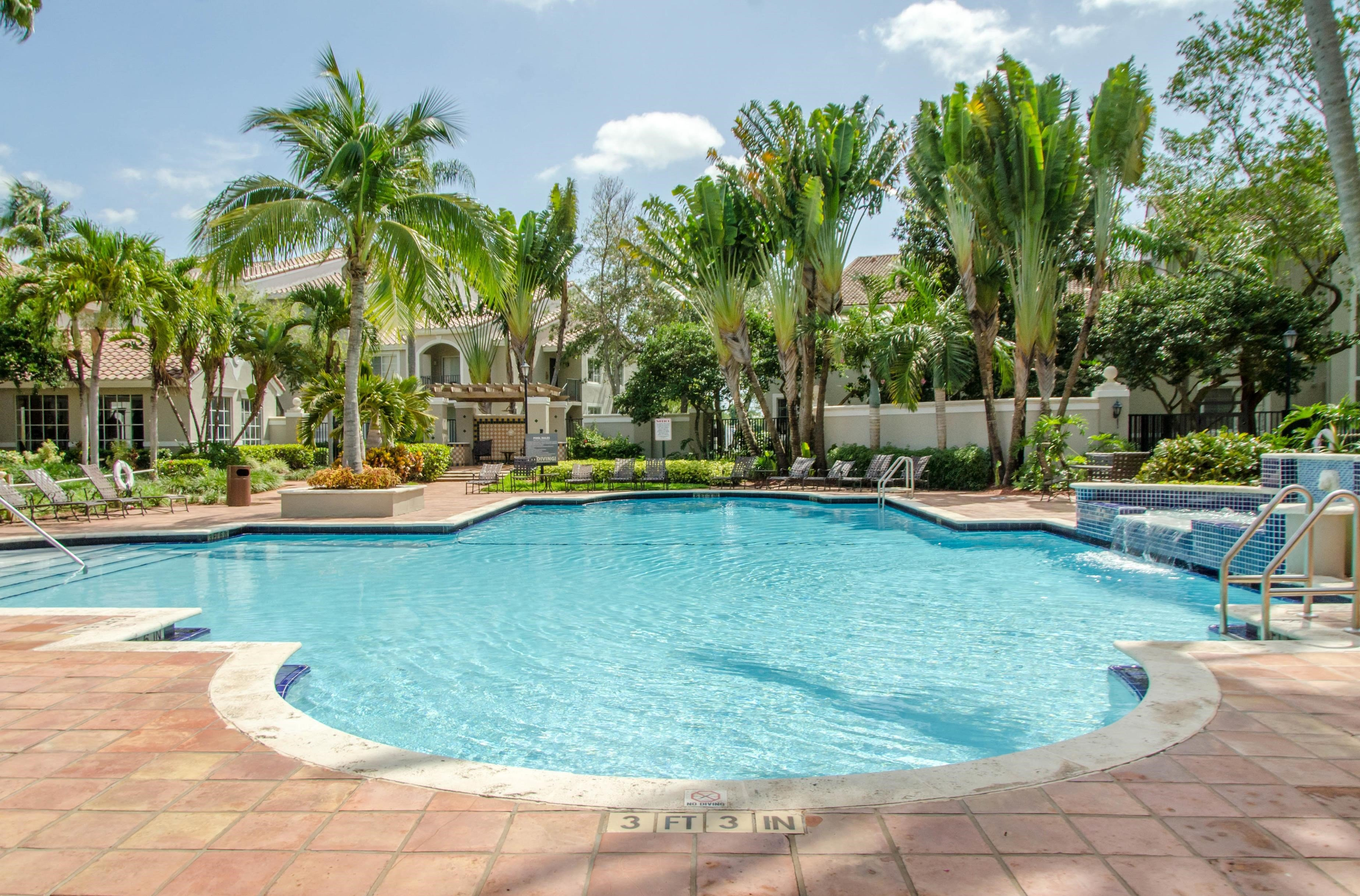 St. Andrews at Winston Park Apartments | Swimming Pool