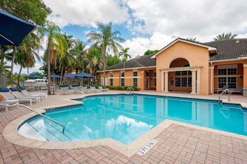 New River Cove Apartments | Pool with Tanning Deck