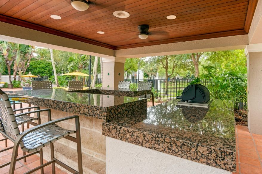 St. Andrews at Winston Park Apartments | Grilling Station