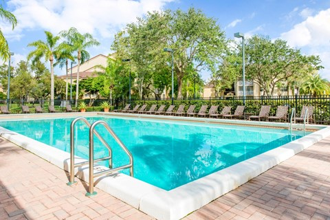 Welleby Lake Club Apartments | Swimming Pool