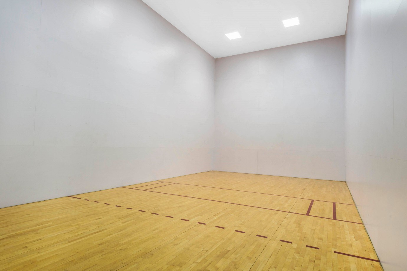 St. Andrews at Winston Park Apartments | Racquetball Gym