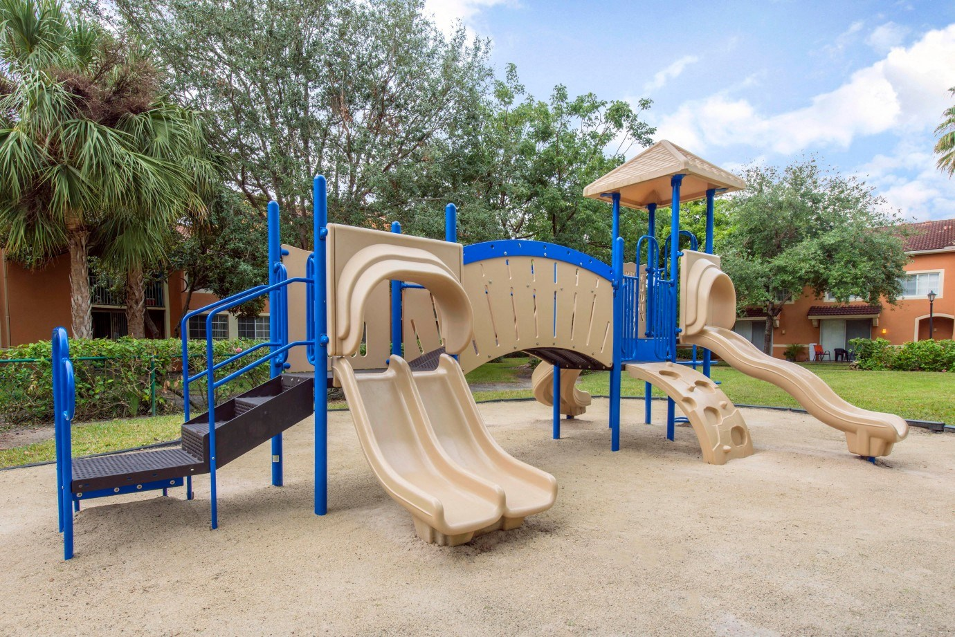 St. Andrews at Winston Park Apartments | Playground