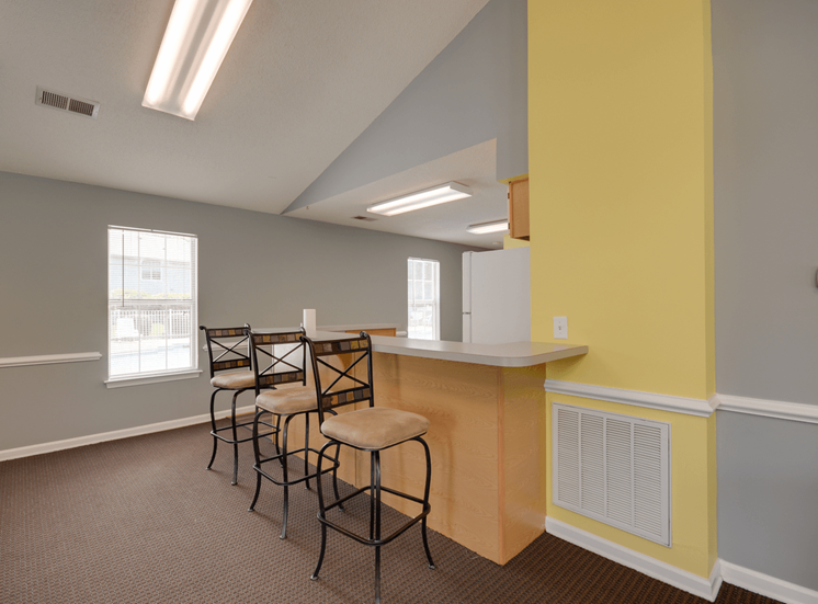 Eat-In Table With High Chairs In Clubhouse at King's Ridge Apartments, Newport News