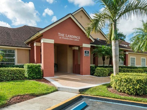 The Landings at Pembroke Lakes Apartments | Leasing Center