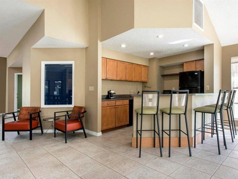 The Landings at Pembroke Lakes Apartments | Clubhouse with Kitchen