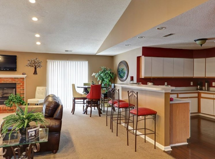 Clubhouse Lounge with Kitchen and Breakfast Bar at Foxridge Apartments, Durham, NC, 27703