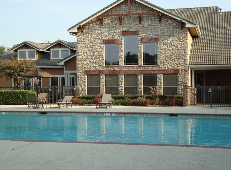 Nolen Grand|Swimming Pool