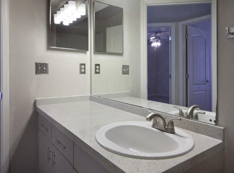 Classic Style Bathroom with Vanity Mirror