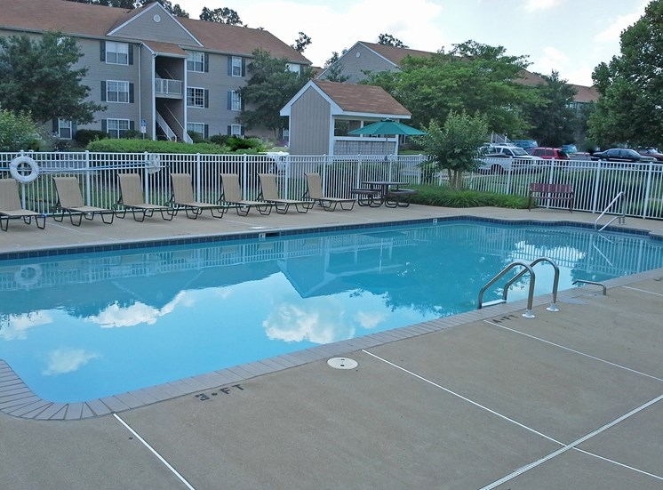 Swimming Pool and Sun Deck with Lounge Chairs at Columbia Hills Apartments, Columbia, TN
