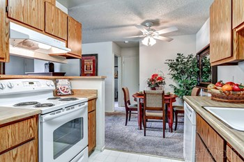 125 Cedar Pointe Loop 1-2 Beds Apartment for Rent Photo Gallery 1