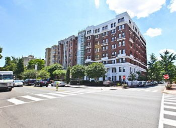 1616 16Th Street, NW 3 Beds Apartment for Rent Photo Gallery 1