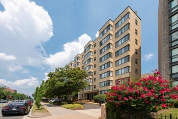 3055 16Th St NW Studio-2 Beds Apartment for Rent Photo Gallery 1